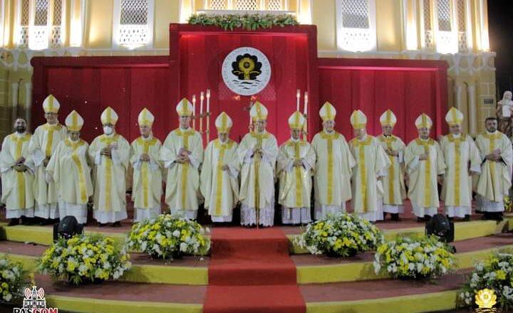 DOM VASCONCELOS PRESIDE SOLENIDADE DE CONCLUSÃO DO ANO JUBILAR NA DIOCESE DE TIANGUÁ/CE