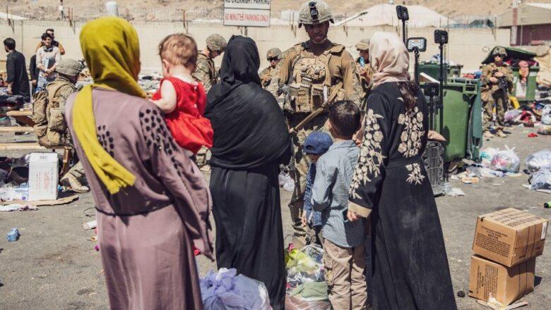 Papa: não podemos permanecer indiferentes. Oração e jejum pelo Afeganistão